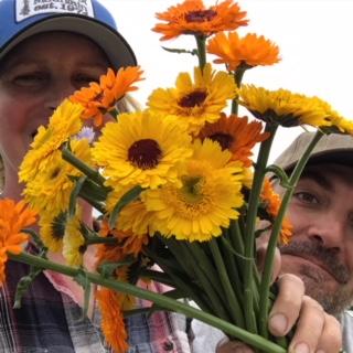 me, ry flowers.JPG