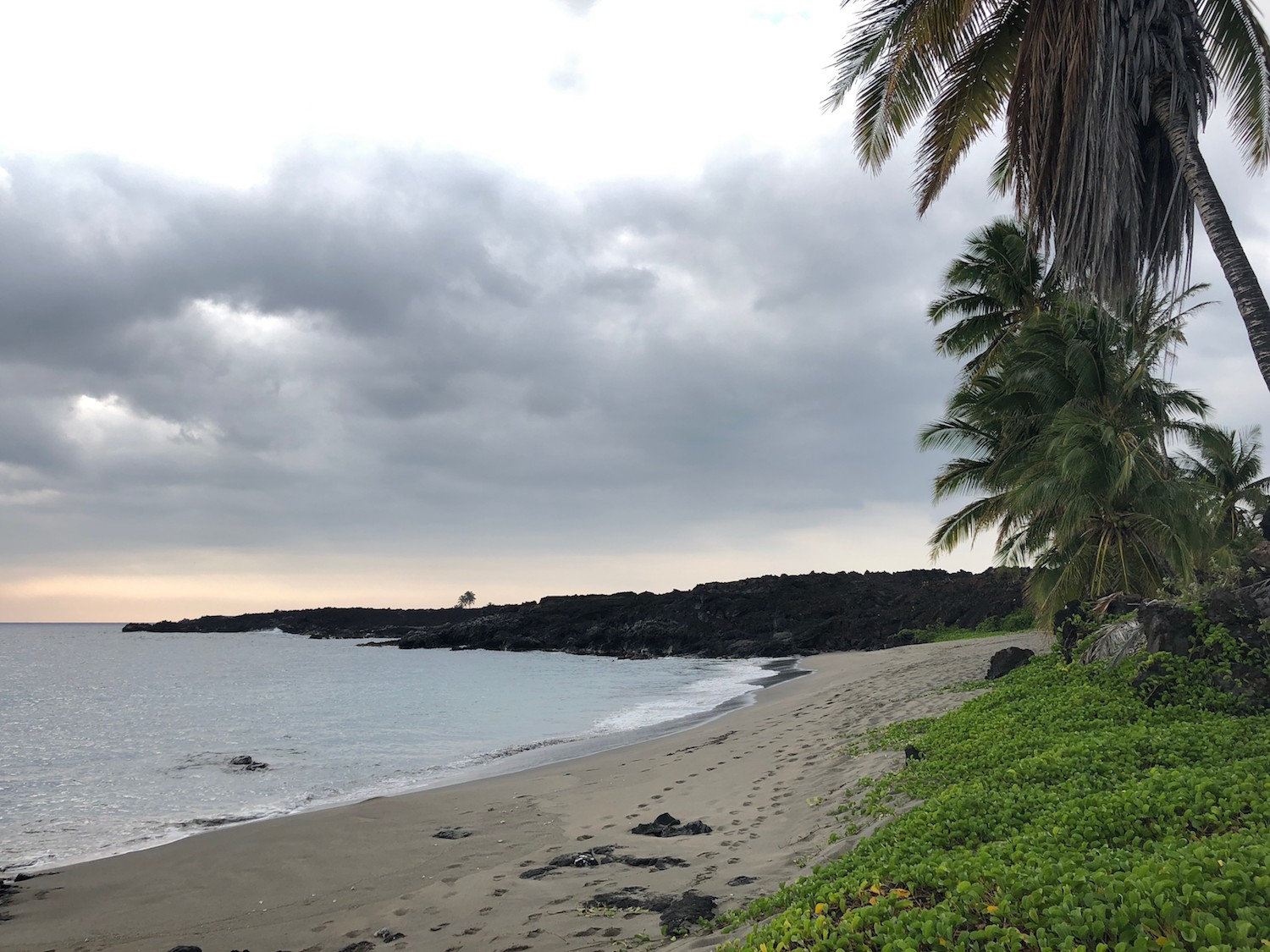 We were somewhat surprised but delighted to have the entire Pohue Bay to ourselves once we had finally made it.