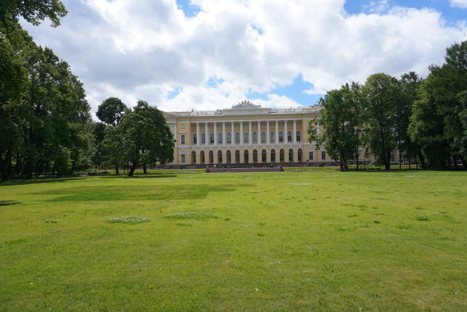 One of the many palaces you can visit in St. Petersburg, Russia. boldlygotravel.com
