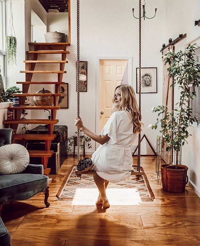 🗺Who are your favorite travel bloggers?  When you're looking for inspiration or you just love their photos, who do you get lost going through their feed?  Comment below with your favorite accounts! 📷 @natalieanastasia . . . .  #thefunkyloft #airbnb #travelblogger #traveldiary #thatsdarling #uniquehomes #travelgirl #girlstrip #wheretostay #whereivebeen #speechlessplaces #instravel #living_destinations #travelbreak #travelette #traveldames #worldofwanderlust #travelstribe #sheisnotlost #ladieslovetravel #globelletravels #wheretofindme #girlmeetsglobe #darlingescapes #femmetravel #girlsthatwander #lifewelltravelled #youmustsee #dametravel  #travelinspo