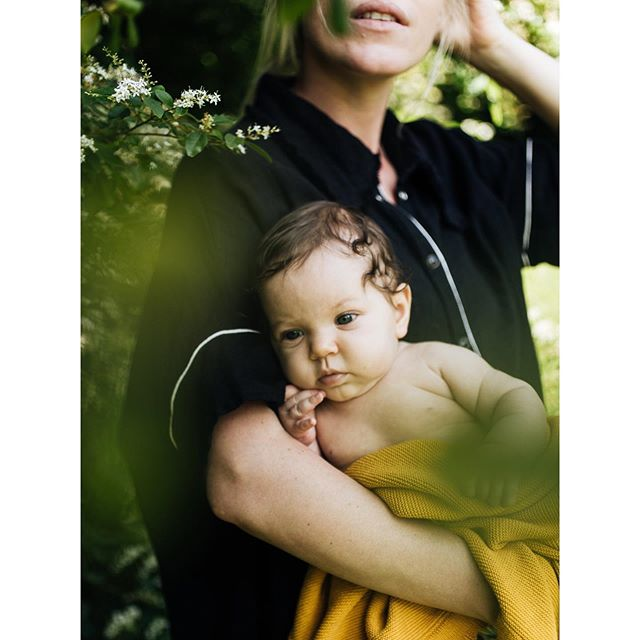 Julie + Billie Rose. Loved playing dress up with you last week - and taking photos of little Billie just for fun. You inspire me so much, friend! @juliemaeseele . . . . . #slowfashion #makersgonnamake #slowcraft #instabham #fashionrevolution #madetoorder #communityovercompetition #vestaviahills #alabama #handmade #investinquality #suit #versatilesewin #compassionatefashion #newborn #bhamphotographer