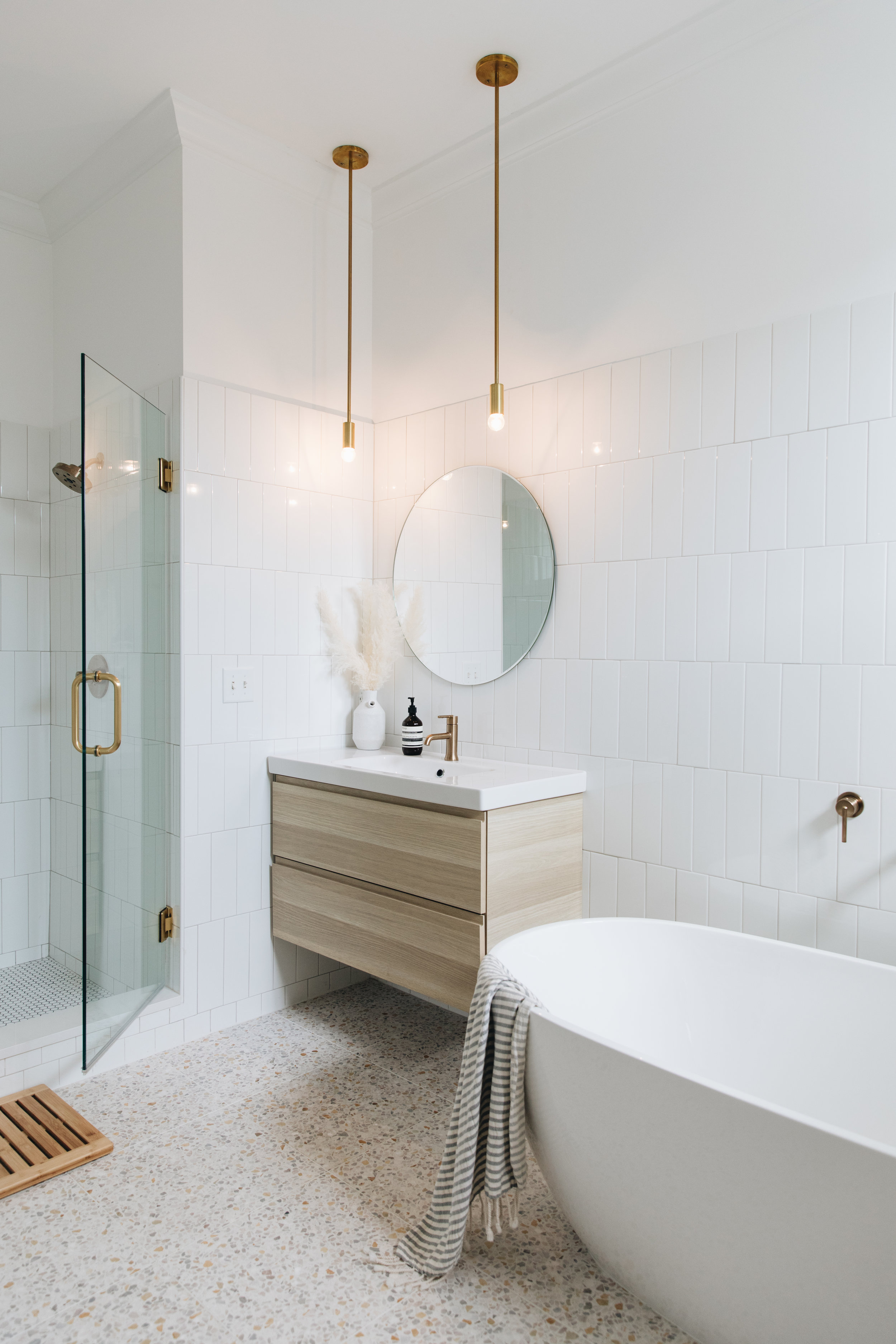 Vanity    Faucets    Mirrors    Pendants    Soaking Tub    Shower Trim