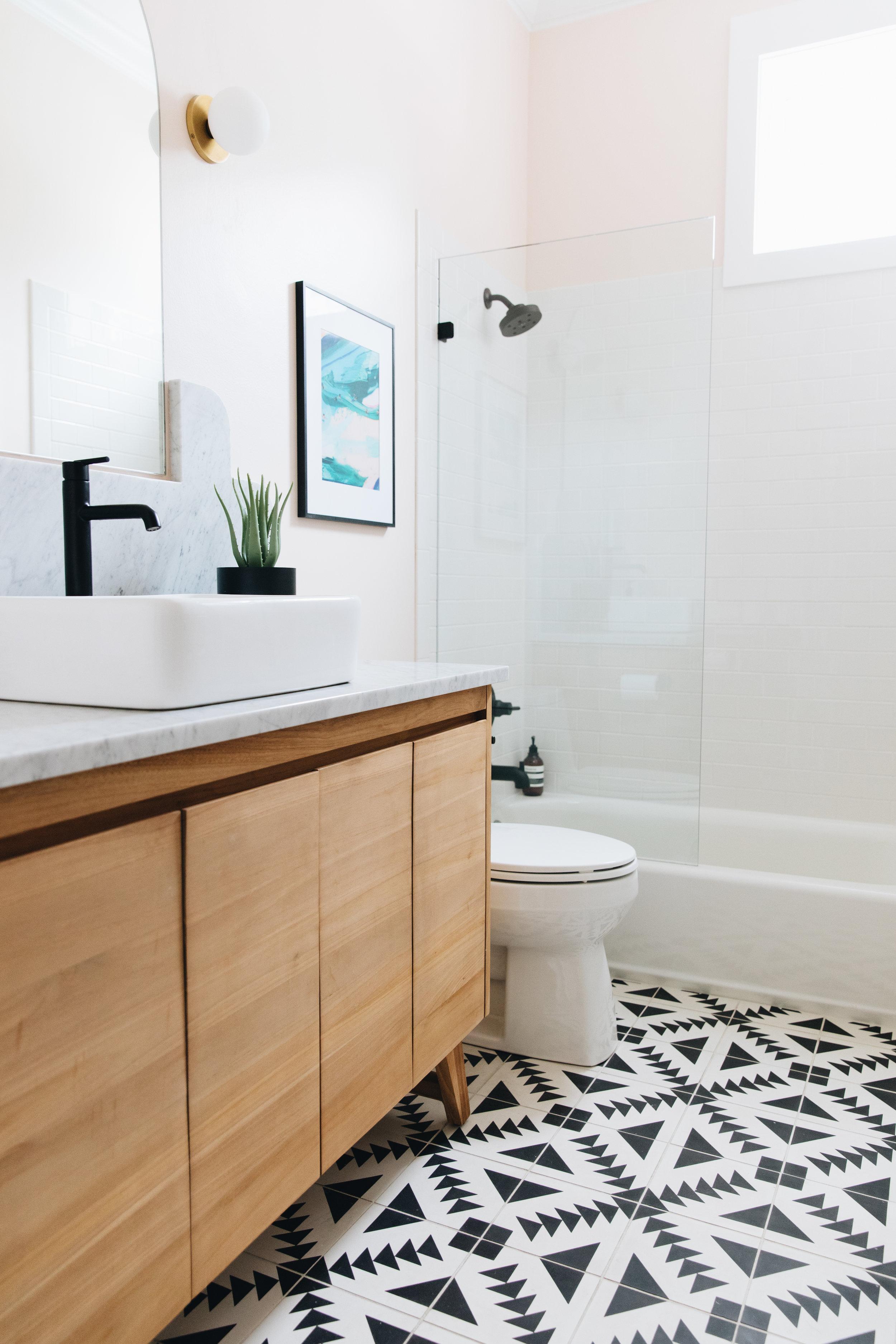 Vanity    Sink    Floor Tile