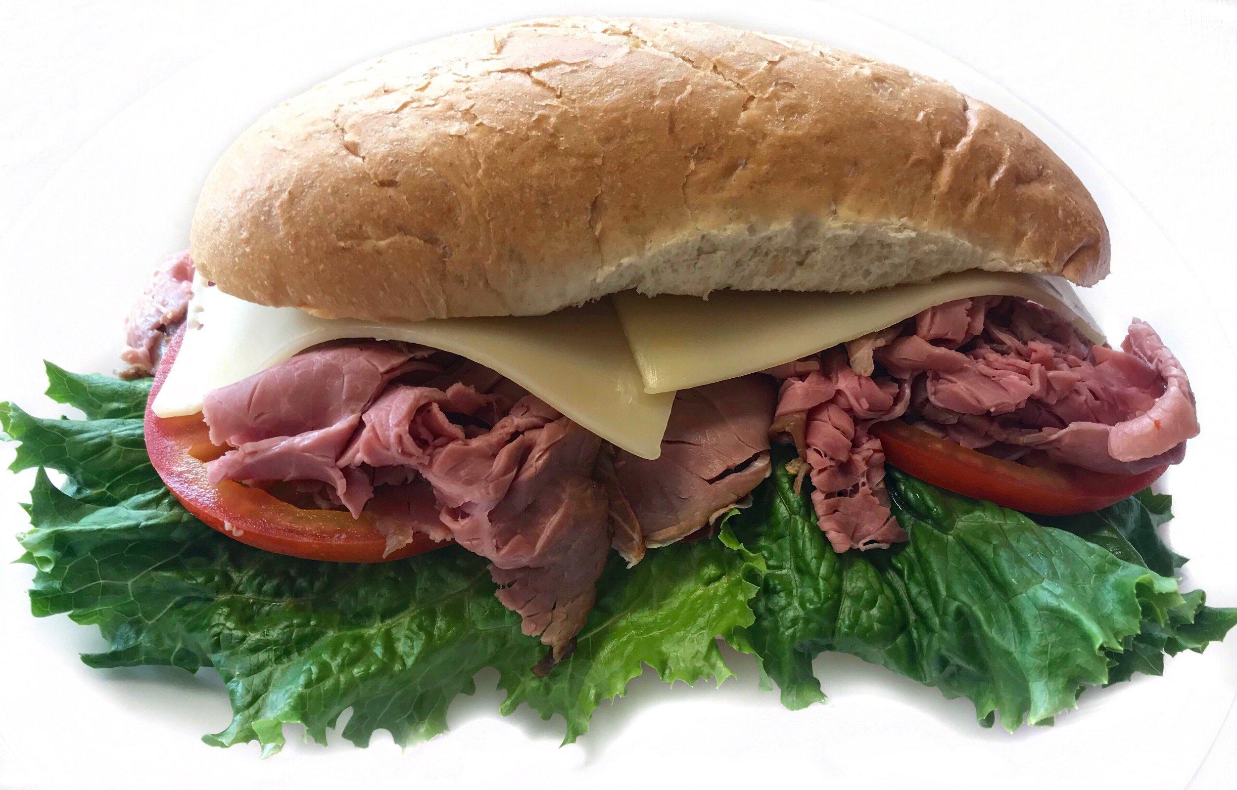 Roast Beef Sandwich    Roast Beef, Swiss Cheese, Lettuce, Tomato on Hoagie Roll