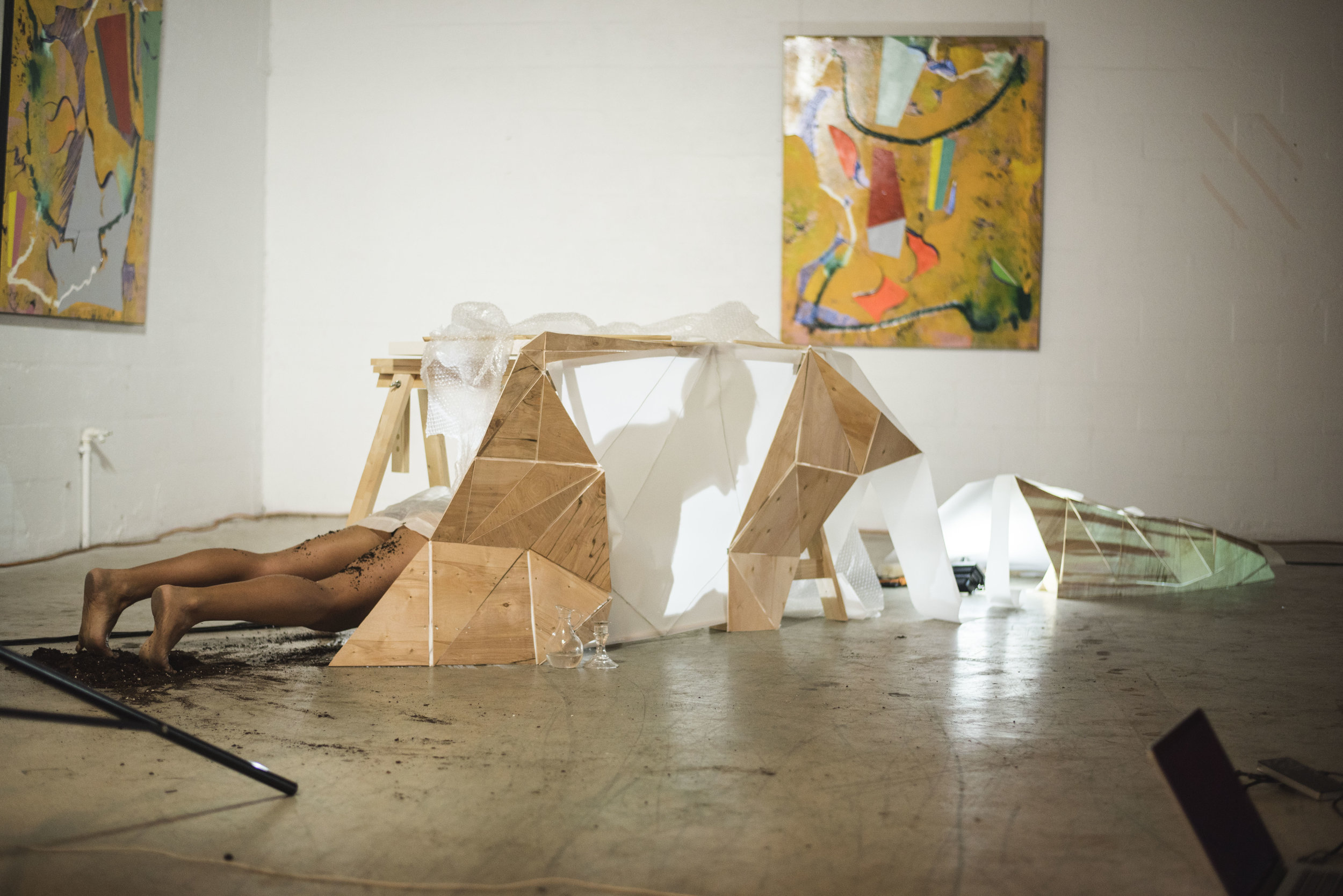 #woman  Choreography/Peformance: Roxana Barba  Music: Melissa Yverson  Video installation: Sophia Cabral, Sofia del Rivero