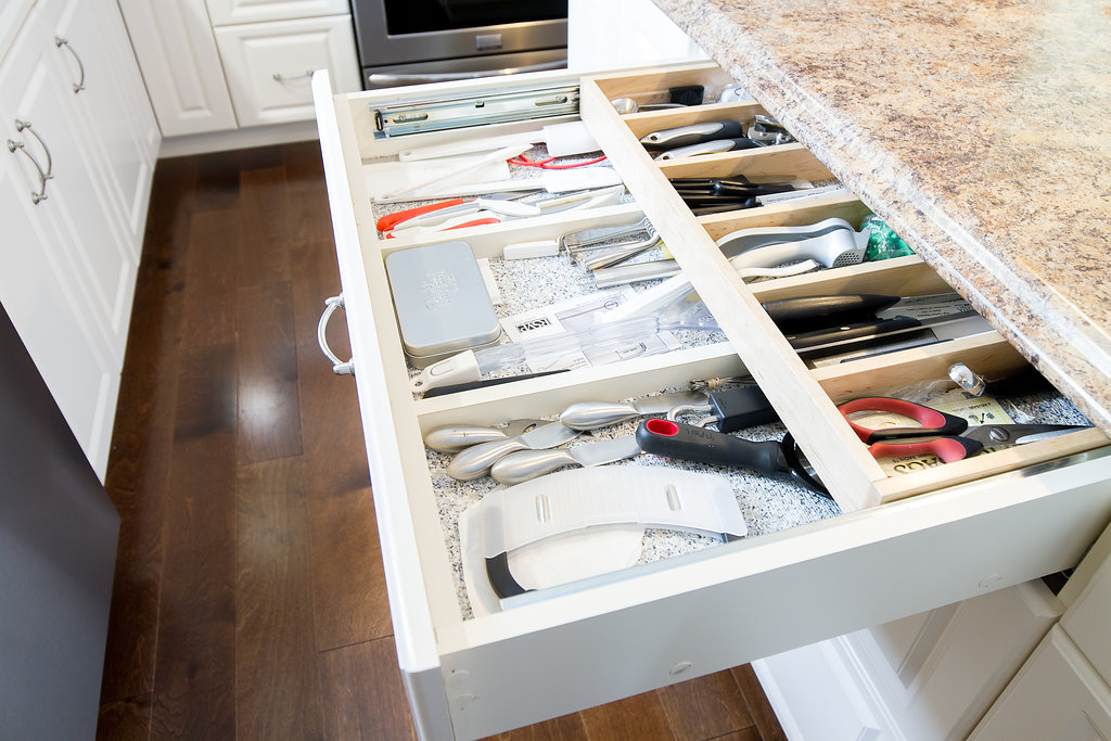 Drawer with Sliding Double Organizers