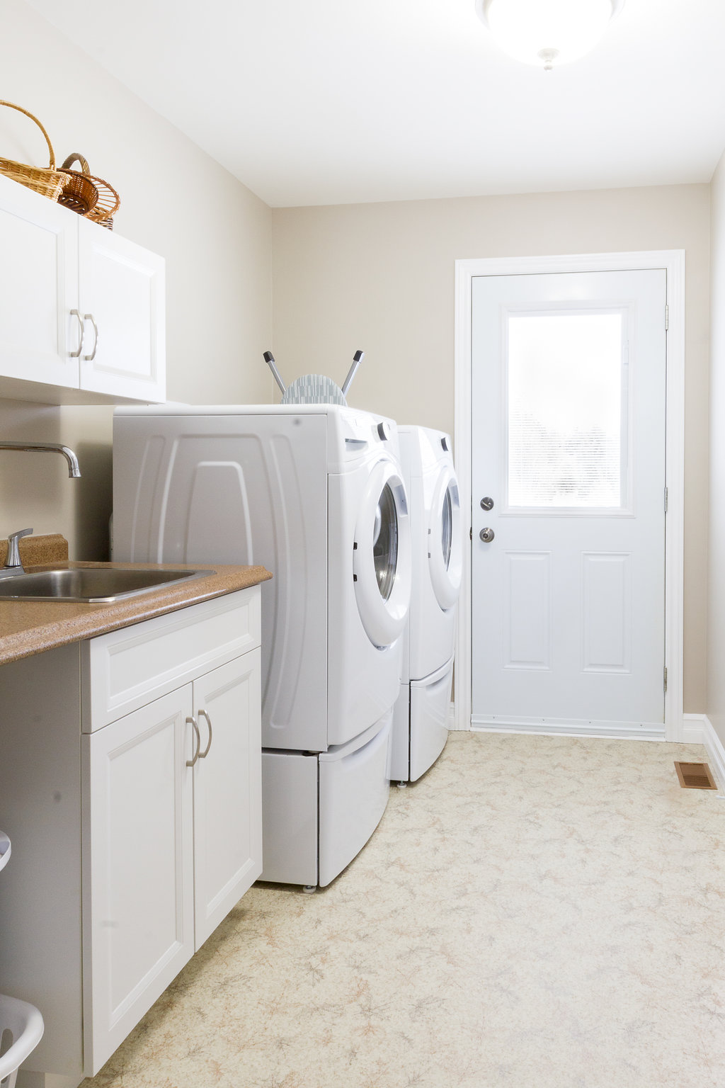 Laundry Room Configuration & Storage