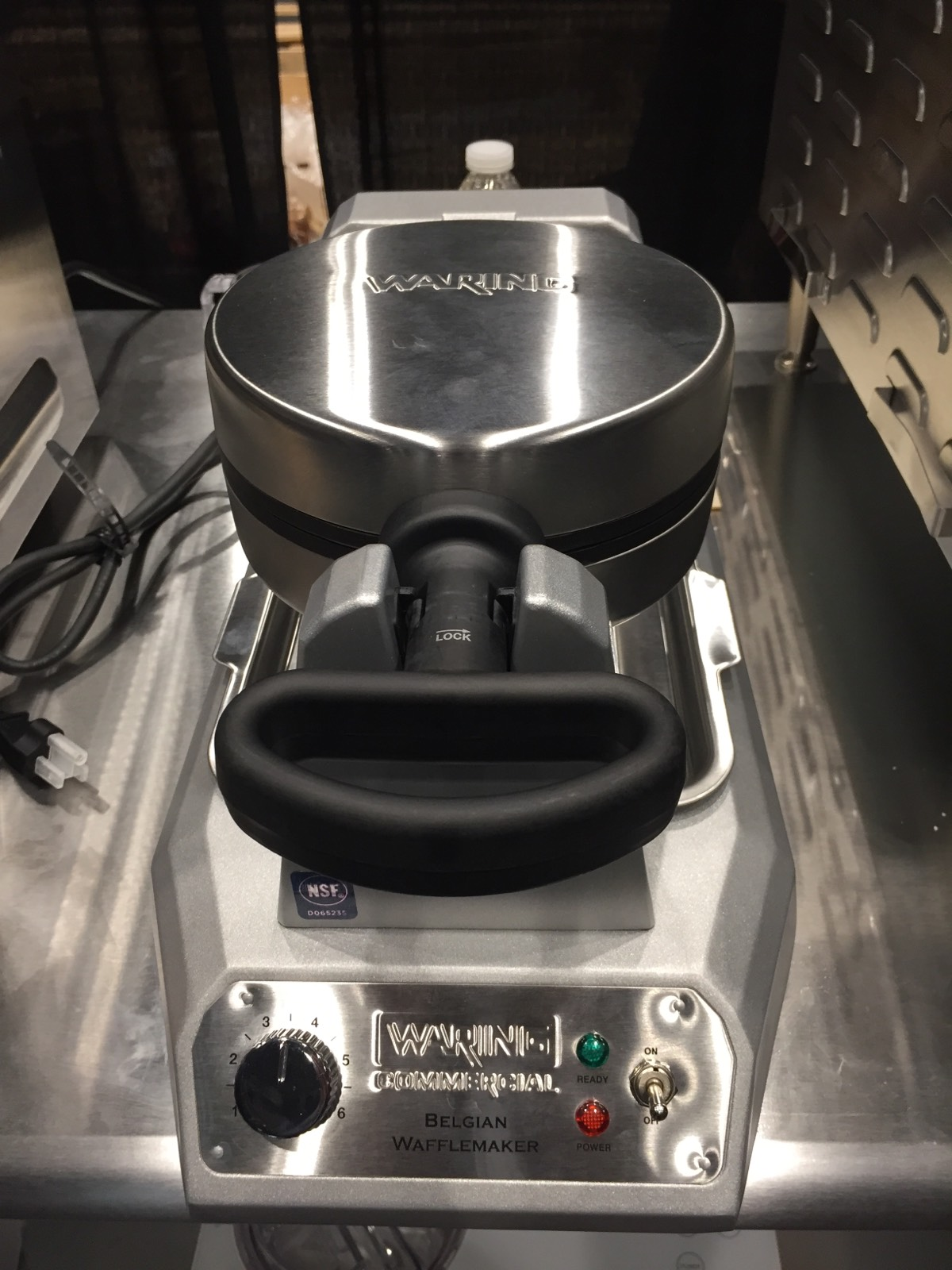 Commercial grade waffle maker (Waring)