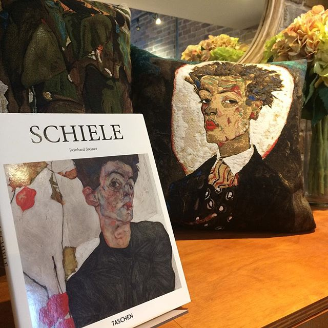 Egon Schiele (1890-1918) -portrait painter, pioneer of Austrian Expressionism, mentored by Gustav Klimt - his often confrontational artworks made a profound contribution to the development of modern art. . TISSERANDS des FLANDRES Egon Schiele Art Cushions: 'Autoportrait au gilet' & 'Sonnenblumen I' [45x45cm cotton jacquard] . . . . . . . . #frenchdesigncollection #australiandistributor  #frenchdesign #jacquardart #artcushions #jacquardcushions #egonschiele  #tisserandsdesflandres #interiordesign #interiordesignideas  #interiorstyle #interiorarchitecture #interiordecoration #parisianstyle #frenchhomewares #homedecor #homedecoration #interiorstyle #interiorstylingideas  #interiordecorating #portraitartwork  #ceresmann