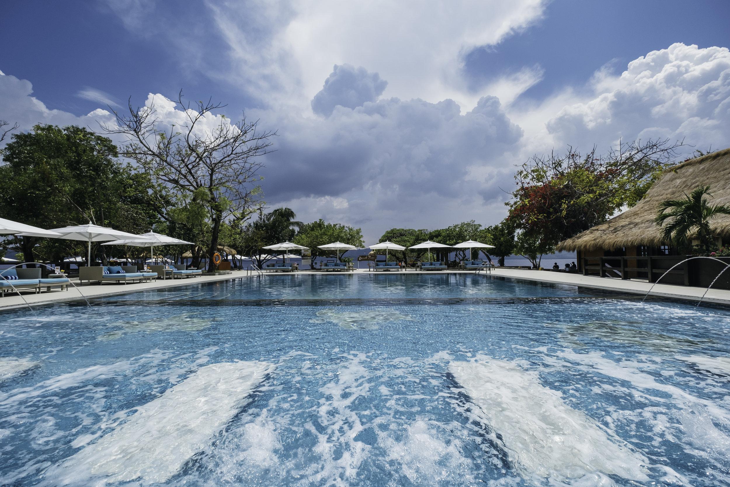 club paradise swimming pool.jpg