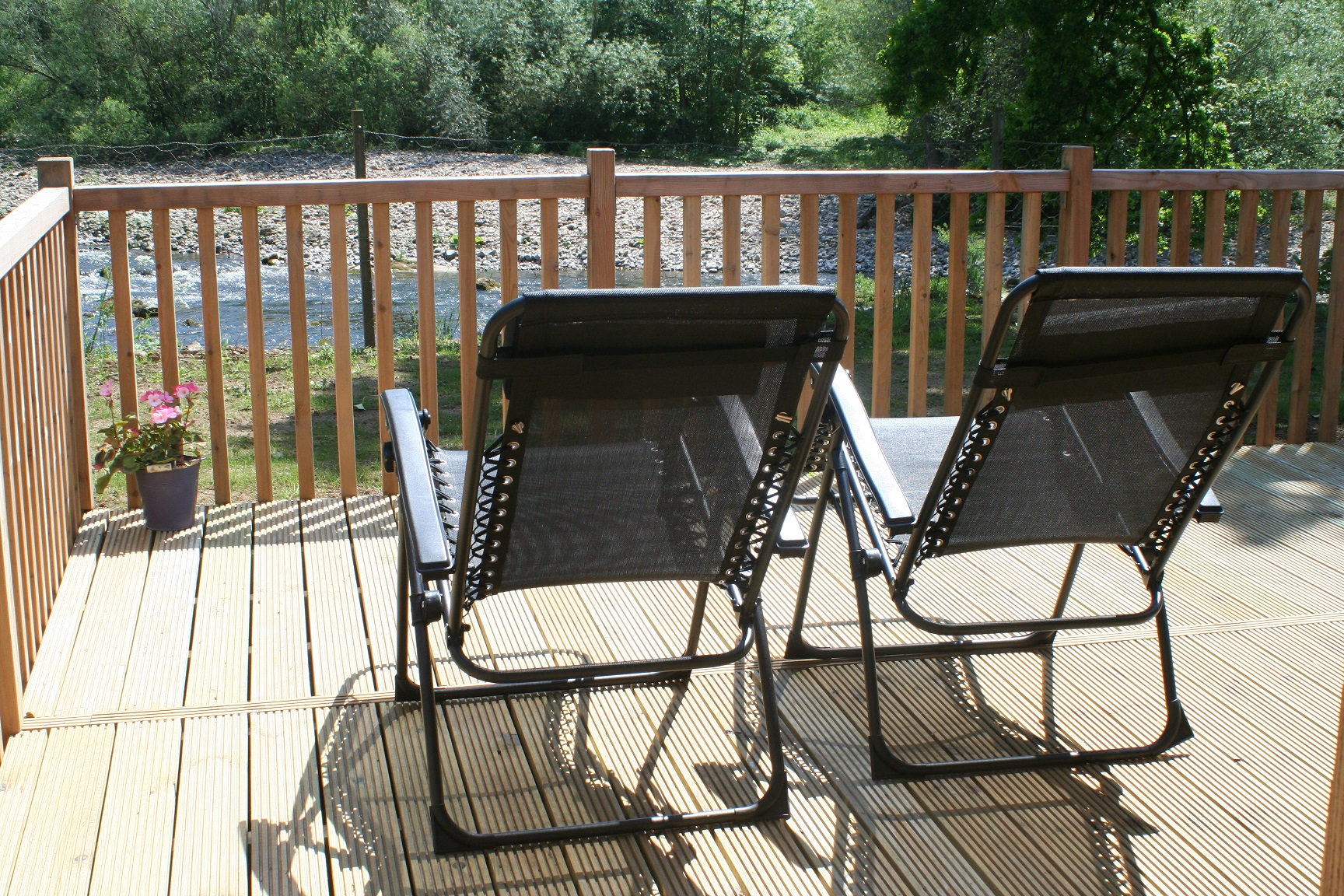 IMG_8578 river view recliners.jpg