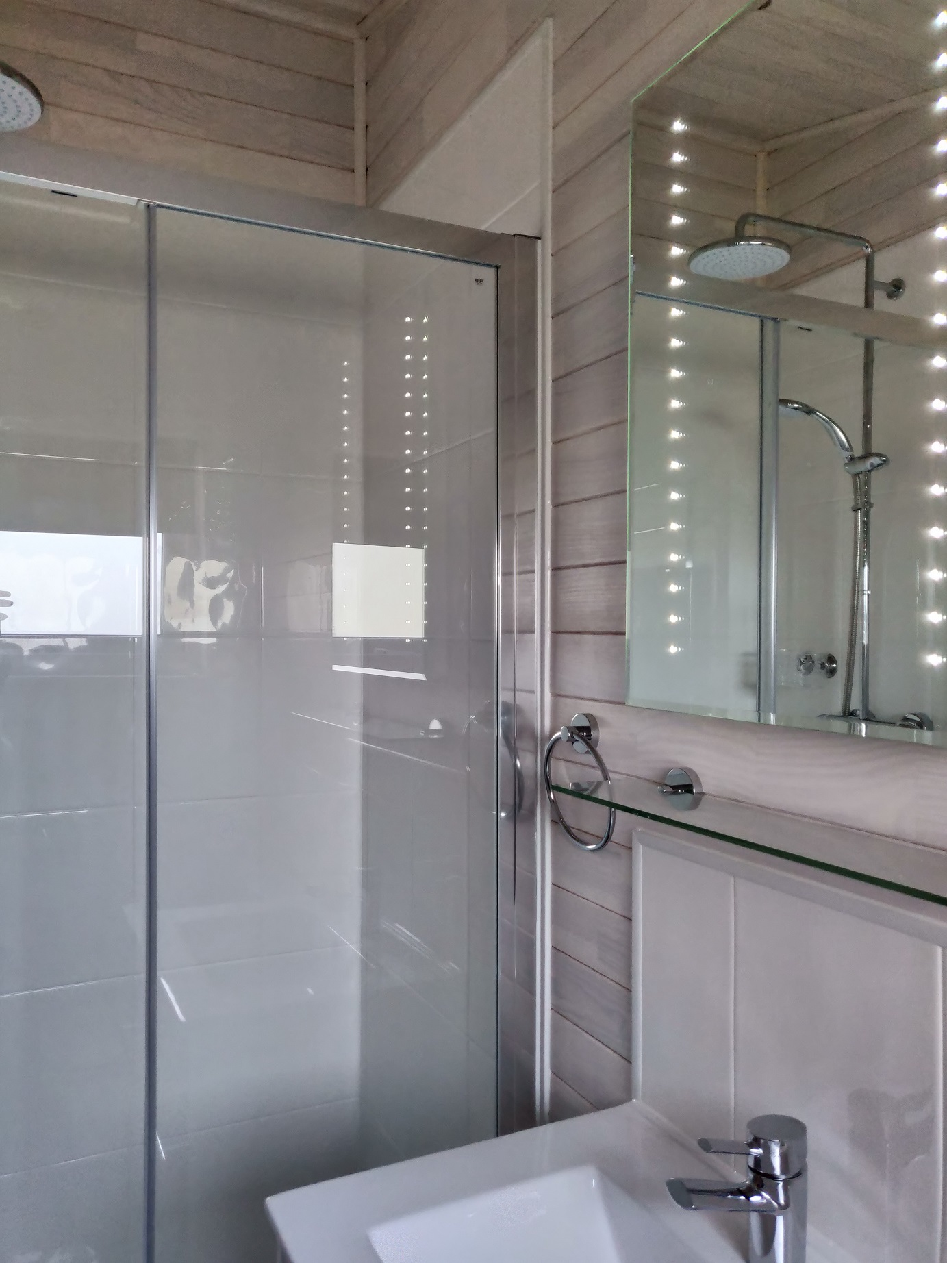 King or Oyster shower.jpg