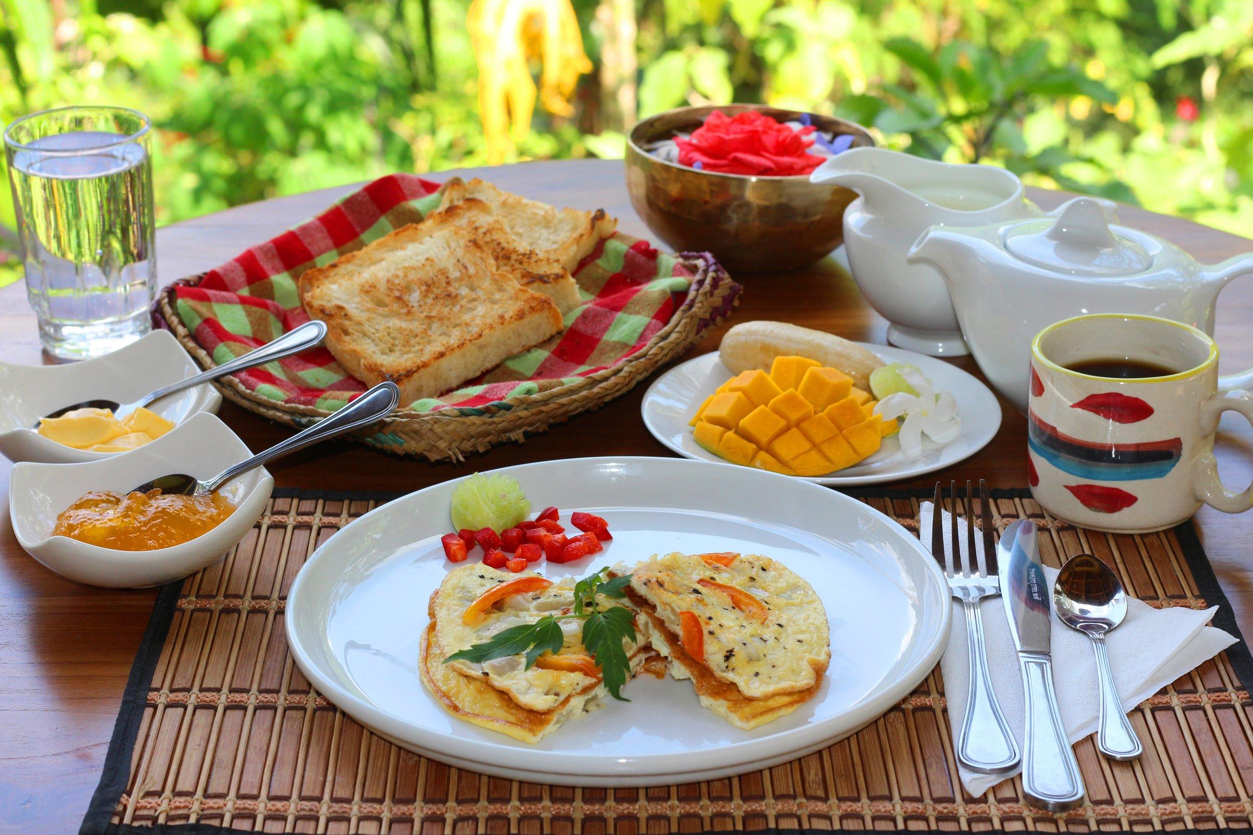 Food - Breakfast_pano2.jpg