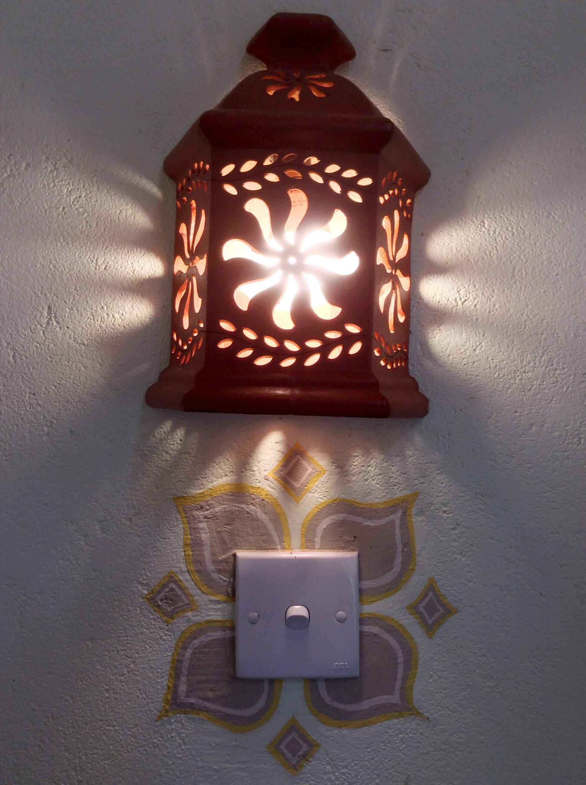 R2- Lamp Detail.jpg