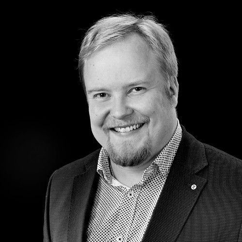 Kalle Koskinen  Chief technology officer PhD in Physics  Kalle Koskinen is working as CTO of Recon AI. Kalle's knowledge in coding, optics and mathematics are used for implementing AI to client's operations.