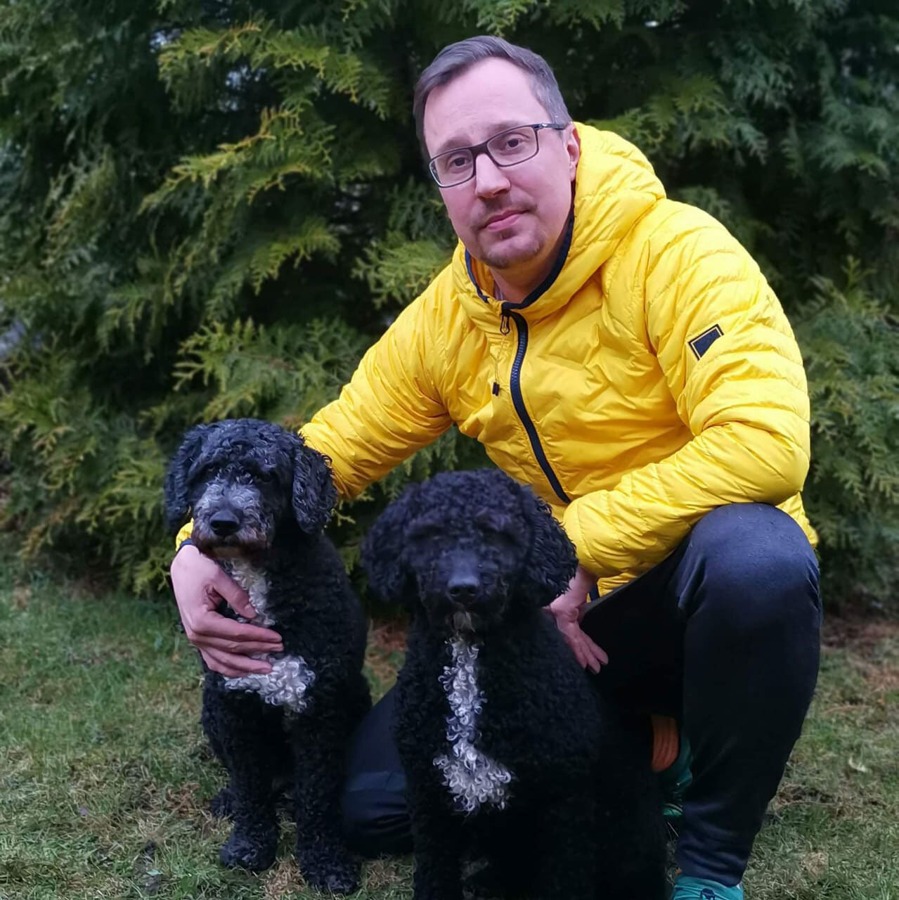 marko-makela-awc-aginotes-agility-spanish-water-dogs.jpg