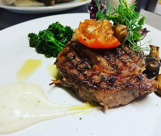 Treat yo self this tuesday with our 10 oz Matured Black Angus ribeye steak  #pub #surrey #surreyhills #steak #guildford #food #fresh