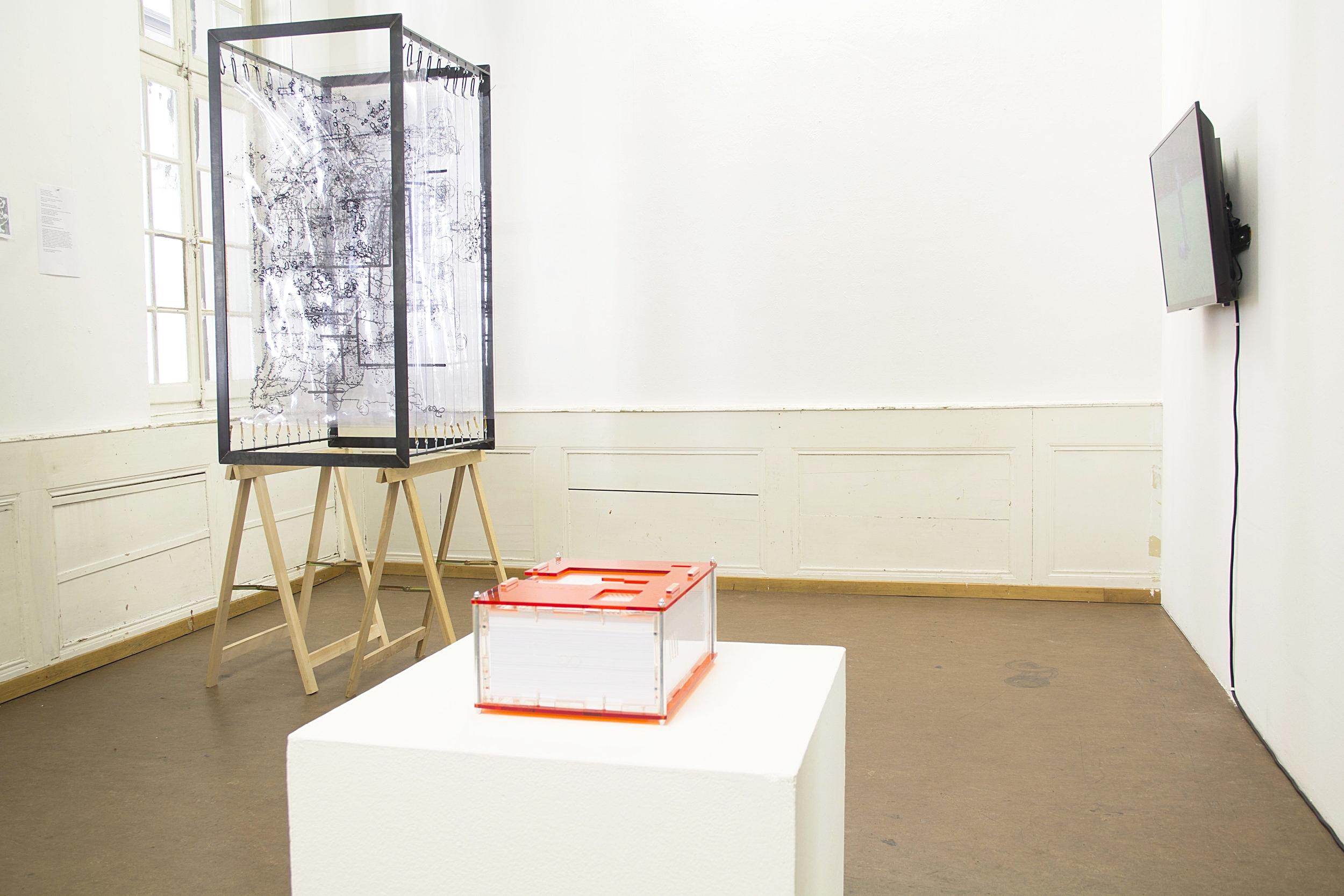 Installation Shot  IAMAI. Bots and other Humanoids,  ProjektLinks/Galerie DuflonRacz, Photo: Ula Lucińska & Michał Knychaus