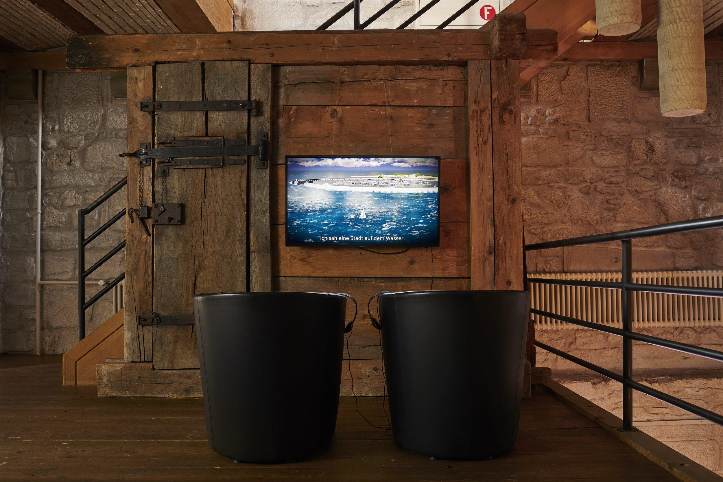 Jacob Hurwitz-Goodman & Daniel Keller,  The Seasteaders , 2018, HD Video, 27 min, Ausstellungsansicht