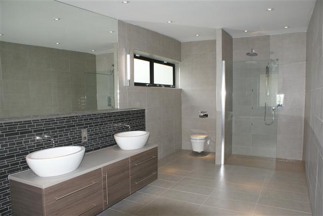 roseleigh bathroom 2.jpg