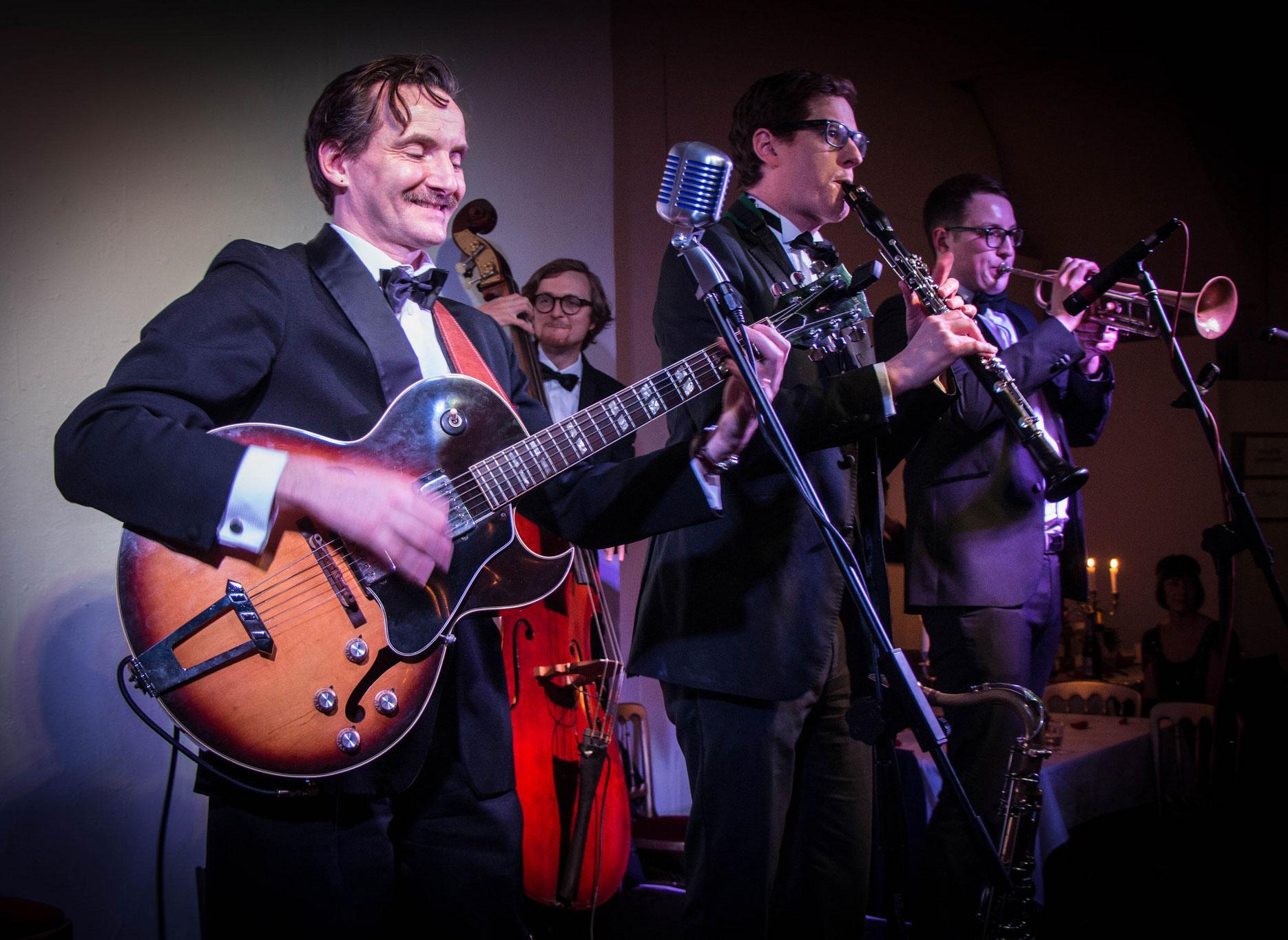 Benoit Viellefon and his band