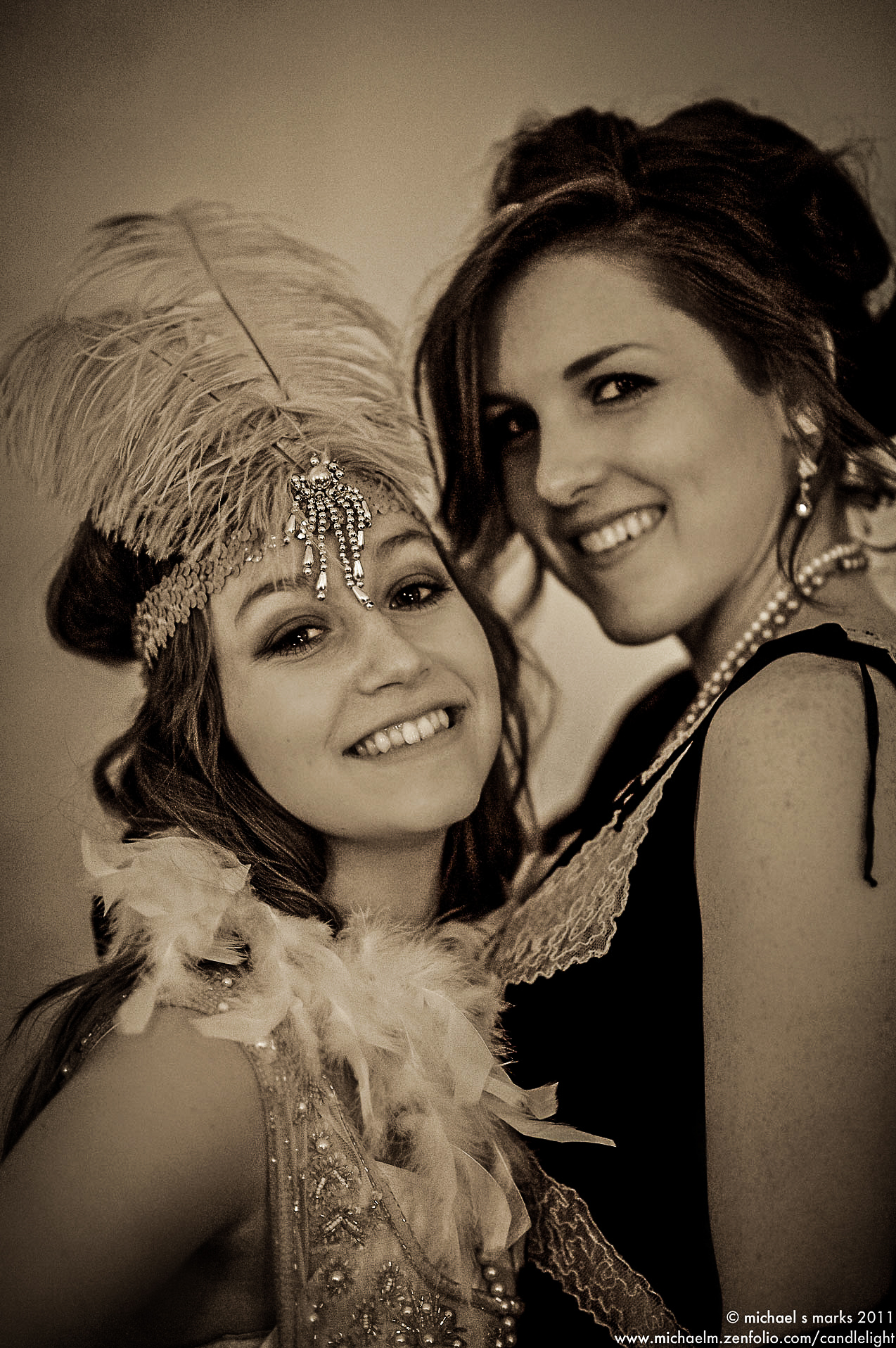 Two ladies in 1920s costume