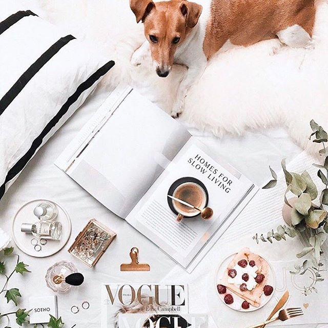 A gorgeous flatlay to end the week with! It's finally the weekend! I'm up in London this weekend for some very exciting business meetings and an event! #jewellerybrand