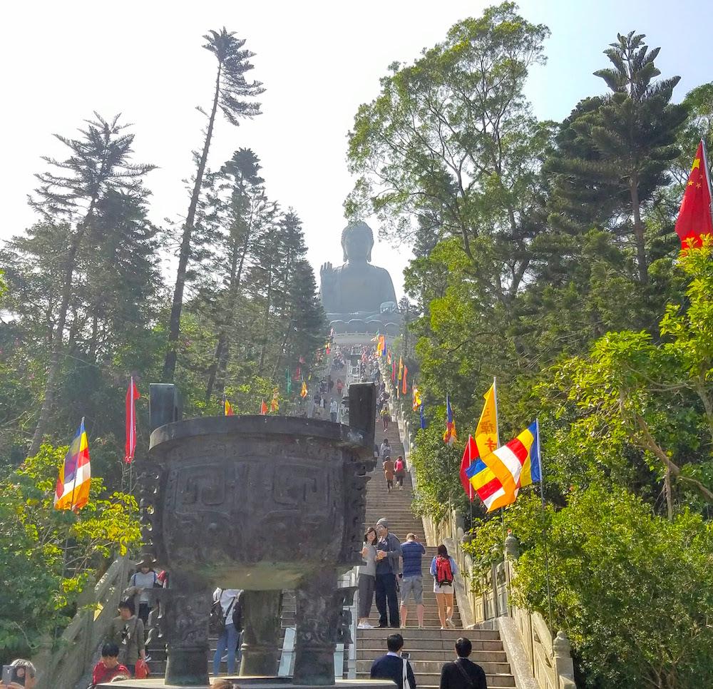 The many steps to the Big Buddha