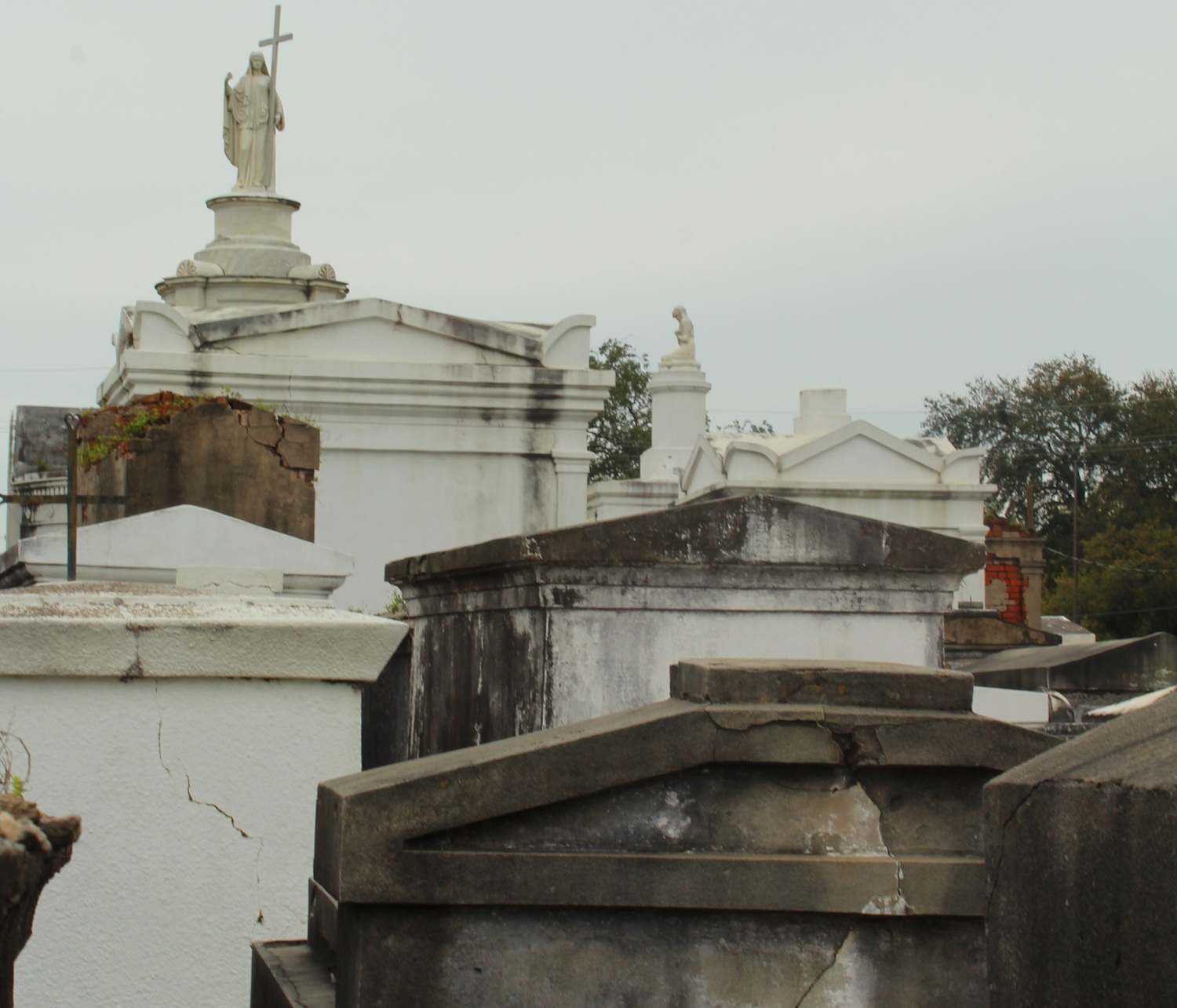 St Louis Cemetery #1 can only be visited with a tour group