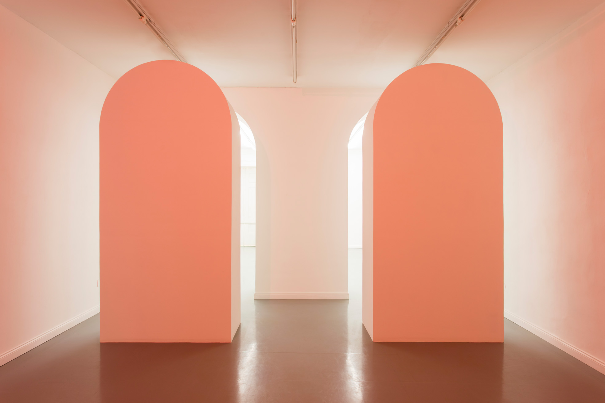 Delia Gonzalez, The Osris Gate I & II, 2017, drywall, cm. 57 x 126 x 22 inches. Exhibition view, Galleria Fonti Napoli.