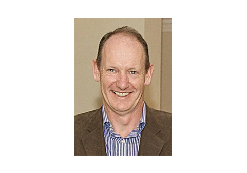 Paul Colfer (Treasurer)   Paul is retired from Diageo Ireland where he worked as a Sales and Quality Manager. He is a native of Dublin and has lived in Kilkenny with his family since 1989.  Paul joined the Susie Long Hospice Fund Committee in 2010.