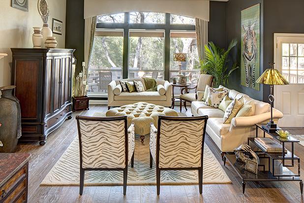 Themed Living Room Lake Travis.jpg