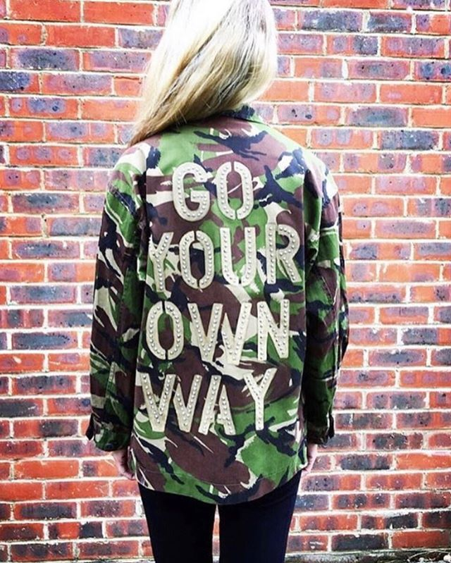 Monday morning motivation...GO YOUR OWN WAY - DO YOUR OWN THING - TRUST YOUR INSTINCTS - BE YOURSELF...this is the secret to a happy & fulfilled life⚡️ - Super awesome bespoke camo jacket from @birdandwolfuk ...they bring new life to army surplus so not only are they cool 😎 but kind (to the planet 🌍)👌 • • • #goyourownway #doyourownthing #beyourself #trustyourinstincts #mondaymotivation #sustainablestyle #stylenotfashion #bespokeclothing #stylewithsubstance #coolbutkind #personalstylist #surreystylist #personalstylistsurrey #over40styleblogger #over30style #mumstyle #mystyle #ootd #mystyleuniform #mumswithstyle #styleyourbestlife #theconsciouslifestylist