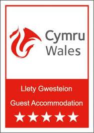 5-star-accommodation.jpeg
