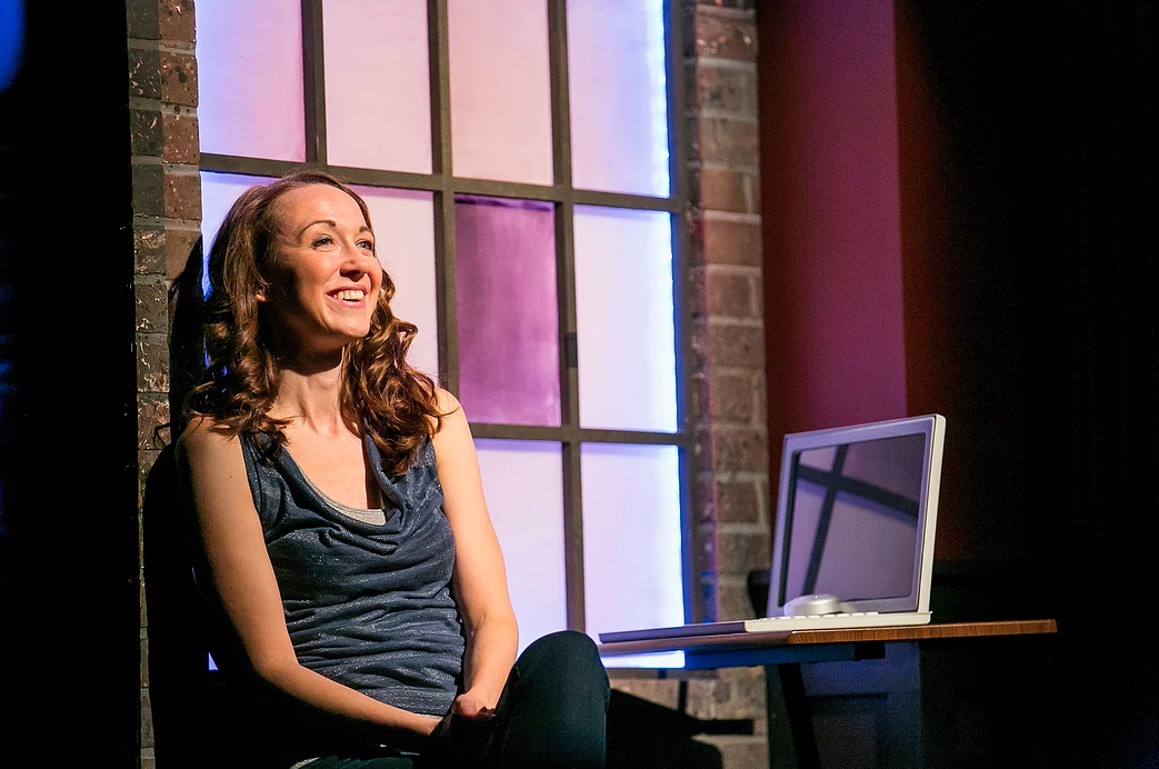 "Robyn Lynne Norris in the Chicago production of ""#DateMe: An OkCupid Experiment"" at Up Comedy Club"