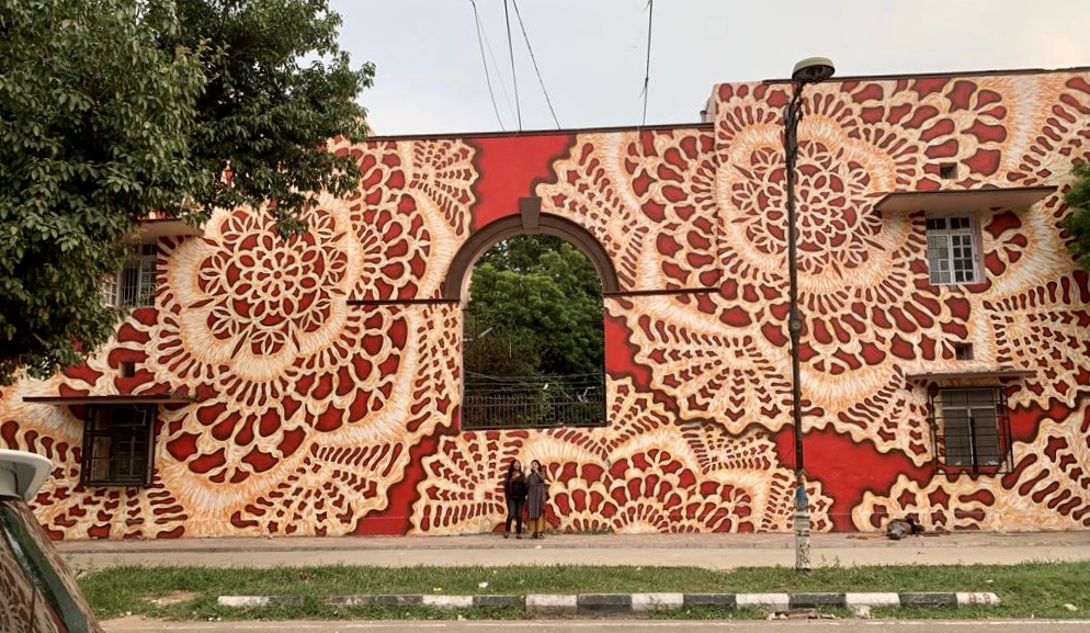 Mural by Polish artist  NeSpoon  depicting lace.