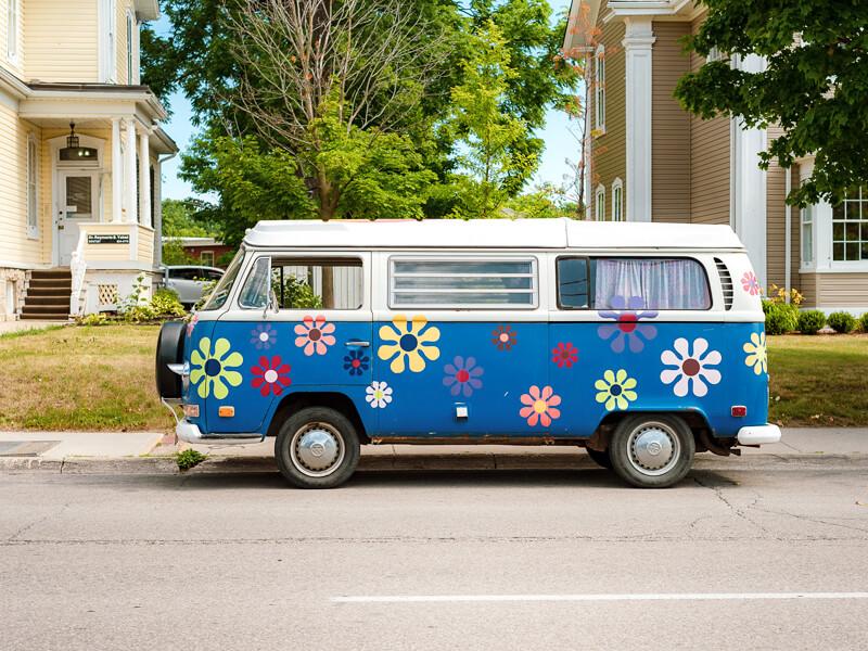 Guelph_Flowerpower-bus_800x600.jpg