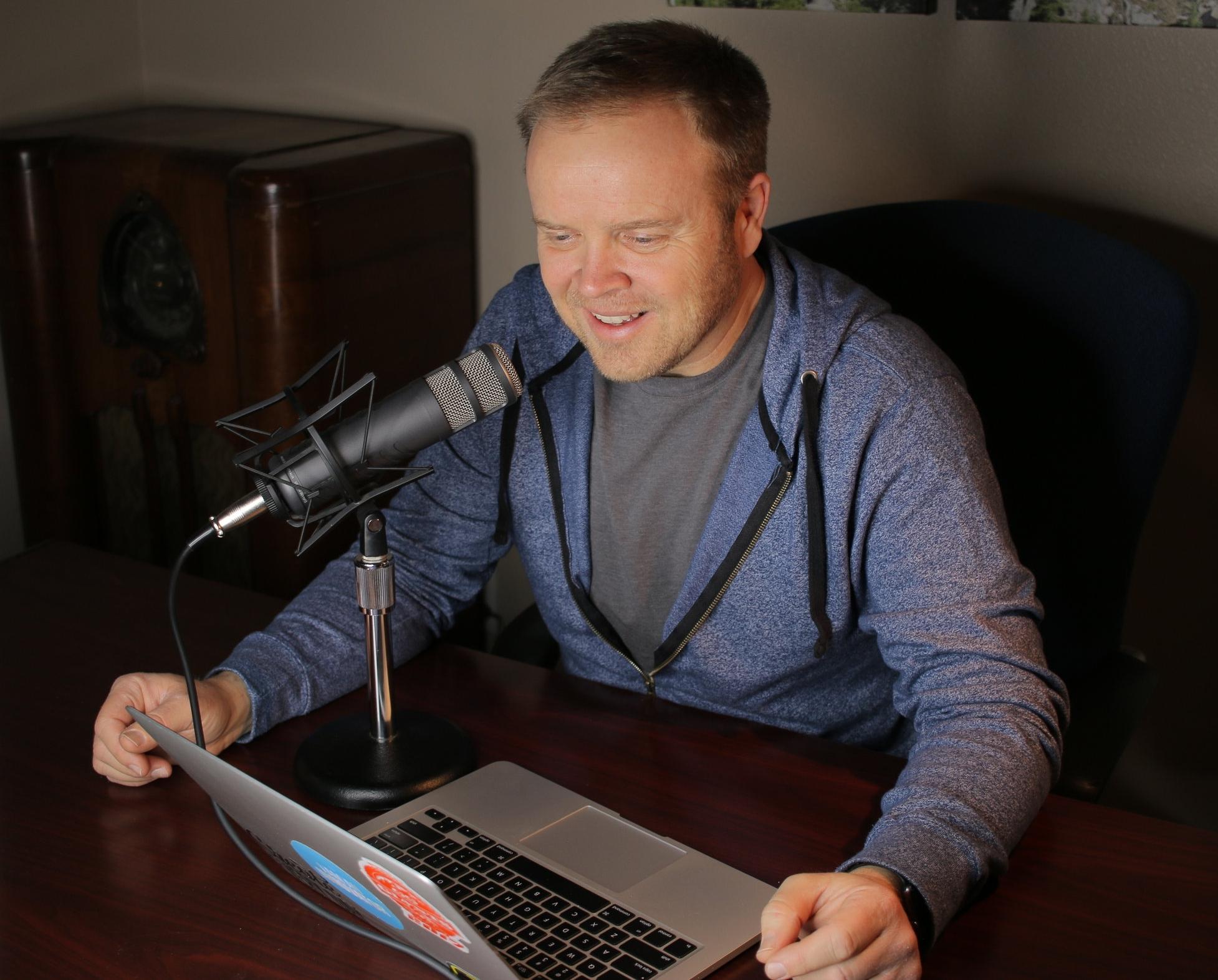 dale-dixon-hosts-podcast-with-jason-jennings.JPG