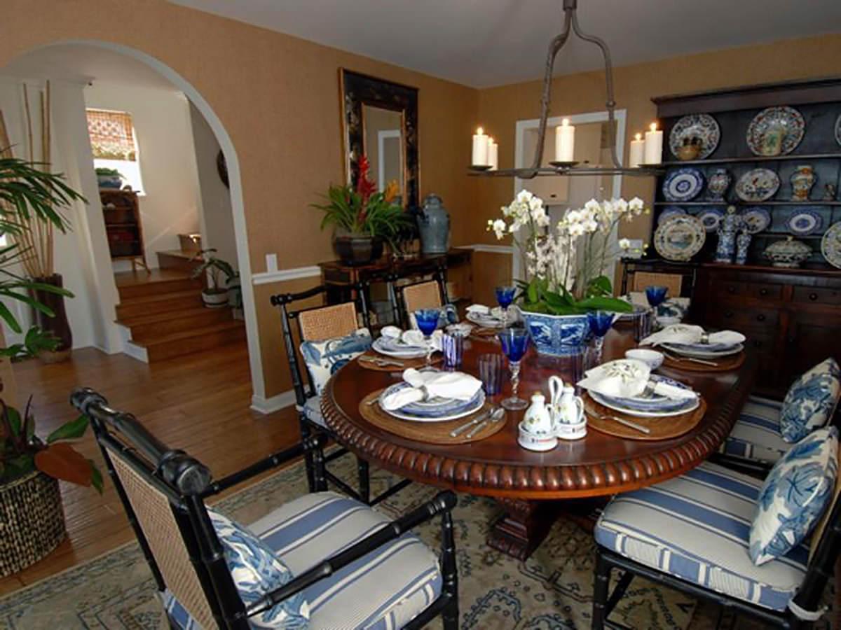 malibu-california-beach-cottage-dining-room-interior-design-montgomery-home.jpg