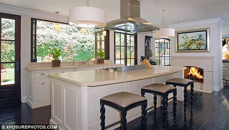 beverly-hills-california-kitchen-remodel-interior-design-montgomery-home-2.jpg