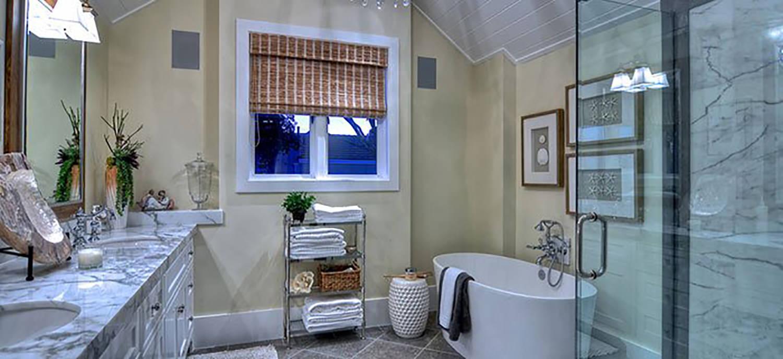 newport-beach-california-guest-bathroom-interior-design-montgomery-home.jpg