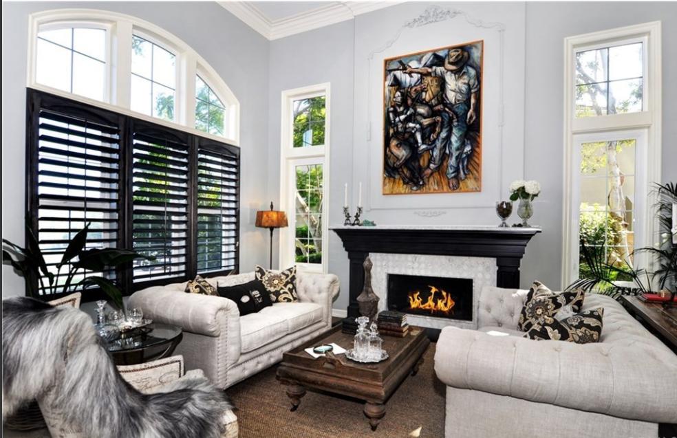 newport-beach-california-living-room-interior-design-montgomery-home.PNG