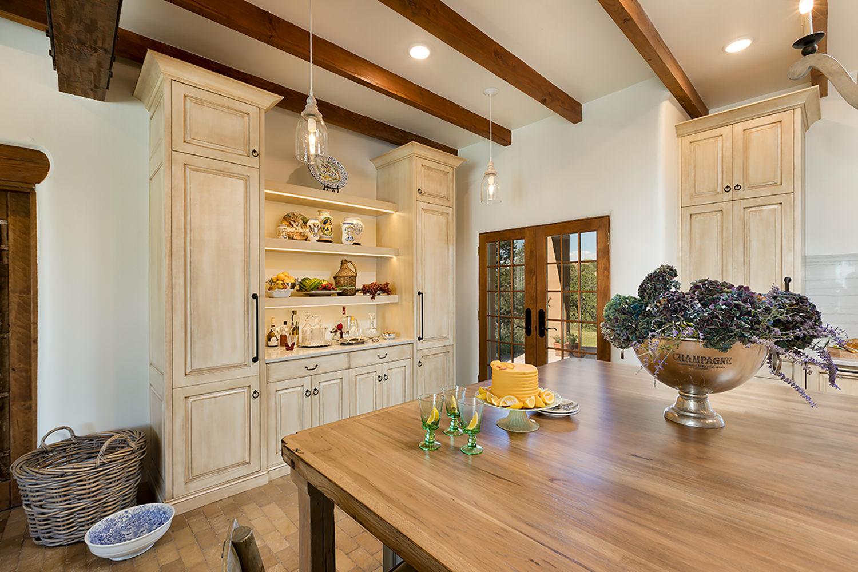 santa-fe-new-mexico-kitchen-breakfast-nook-interior-design-montgomery-home-7.jpg