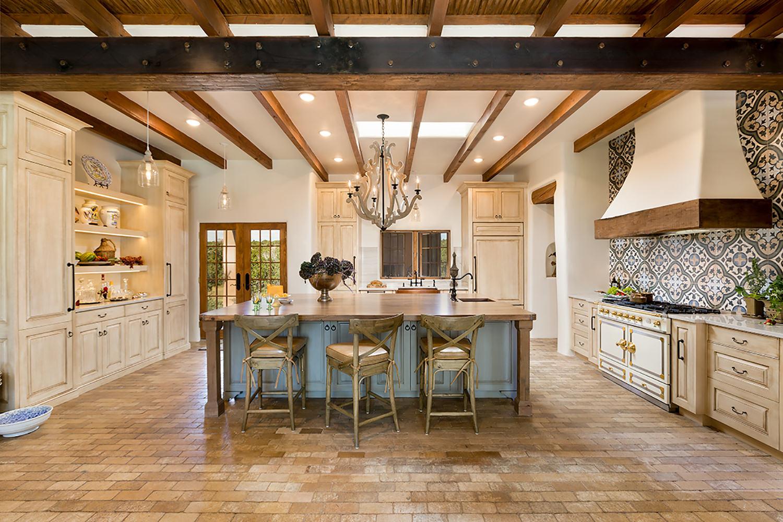 santa-fe-new-mexico-kitchen-breakfast-nook-interior-design-montgomery-home-8.jpg