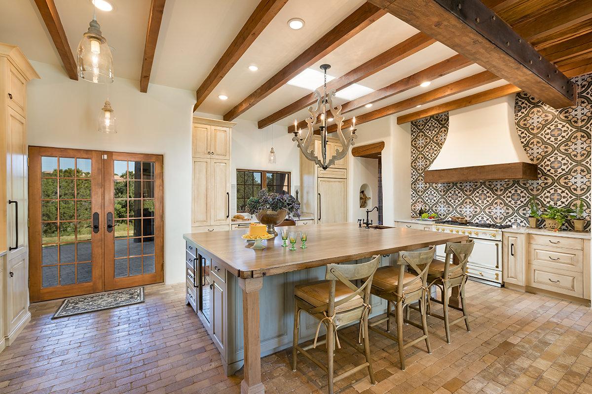 santa-fe-new-mexico-kitchen-breakfast-nook-interior-design-montgomery-home-11.jpg