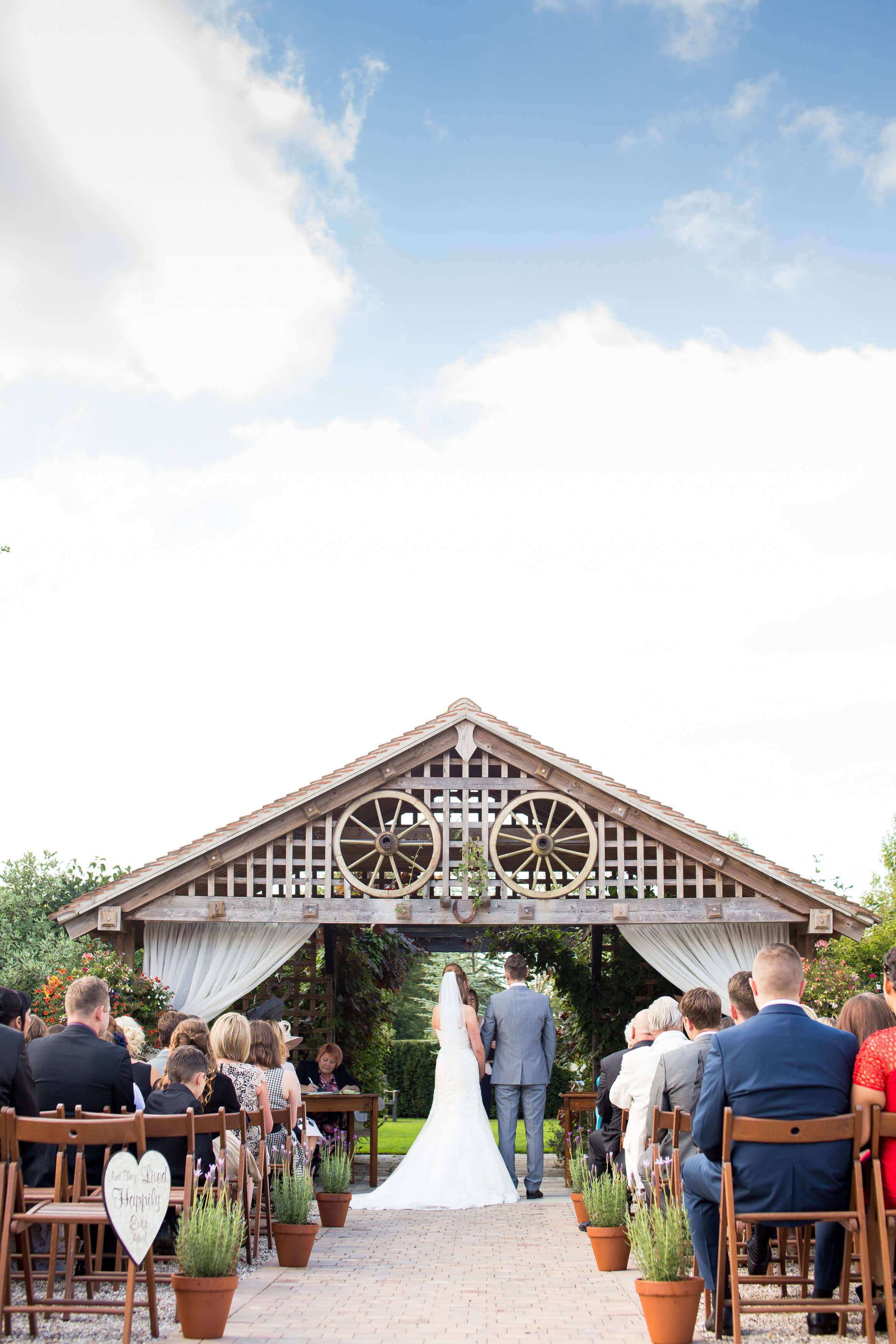 essex-wedding-planner-summer-wedding-outside-ceremony.jpg