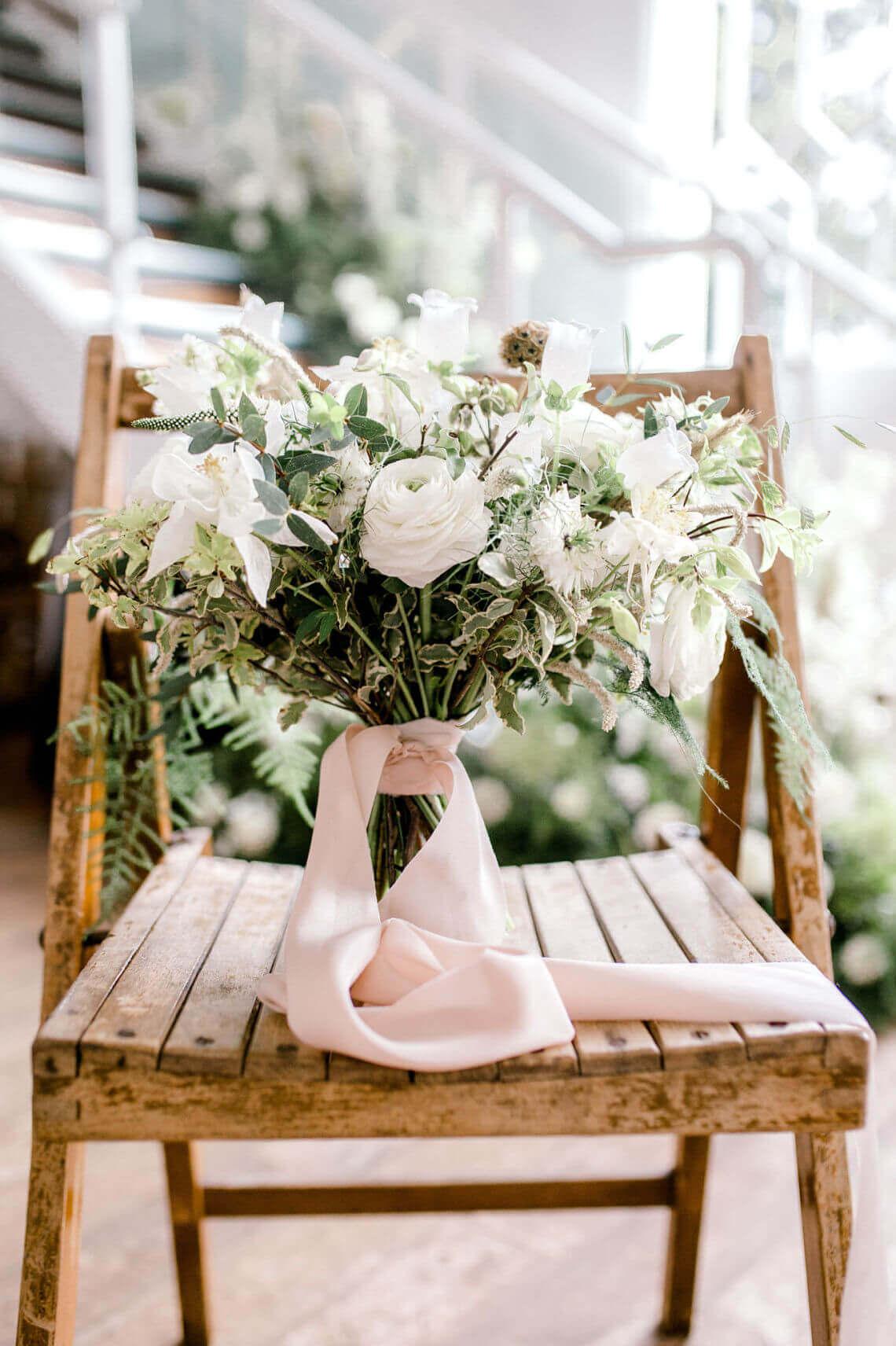 romantic-bridal-bouquet.jpg