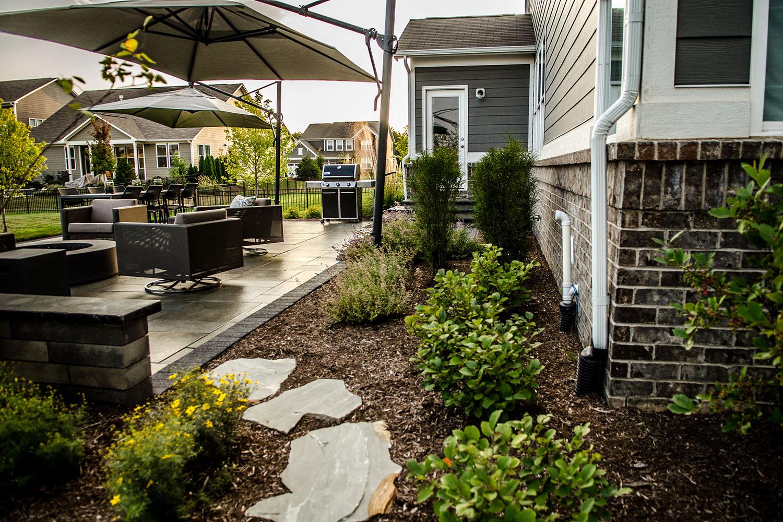 Kostaroff-patio-landscape-stone_web_030118.jpg