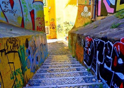 alfama-grafitti.jpg