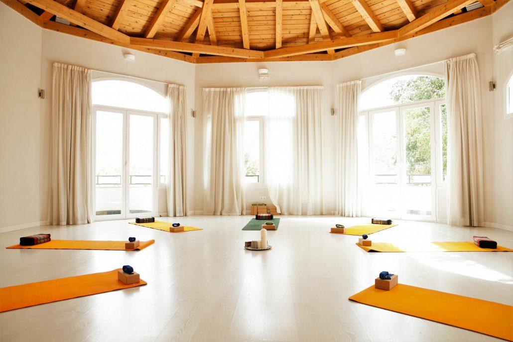 yoga-shala-5-Granada-Lucia-Yoga-Retreat-Center-1030x687.jpg